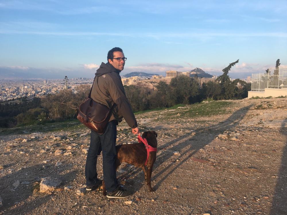 Vanda con l'amico Stefano ad Atene