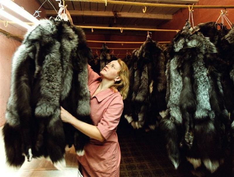 greek-fur-maker-kastoria